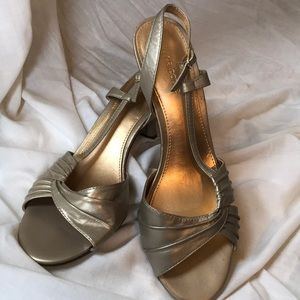 Adorable formal wear sandals